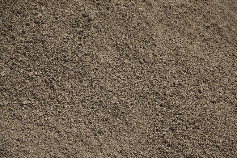 栄養素の高い良質な粘度土